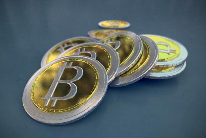 Man irgi siūlė investuoti į kriptovaliutas. Kaip atpažinti sukčių?