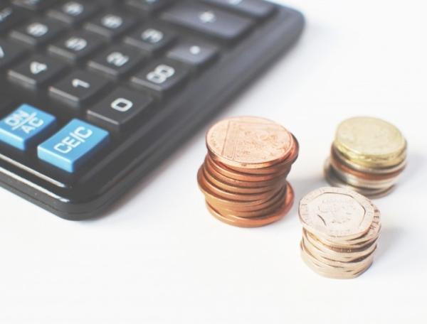 Tyrimas: trečdalis lietuvių išsiverstų tik su skaitmeniniu banku