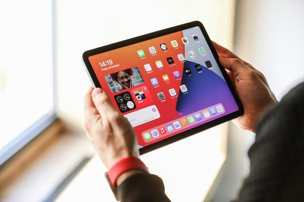 """Naujųjų """"iPad Air"""" apžvalga: naujas dizainas ir dar greitesnis procesorius"""