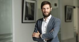 """Prie """"Factris"""" vadovo vairo Lietuvoje grįžta įmonės įkūrėjas"""