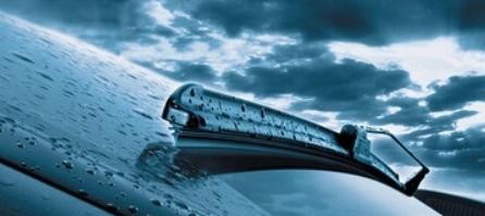 Dėl kokių priežasčių auto valytuvai gali valyti prasčiau esant blogoms oro sąlygoms?