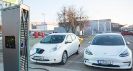 Elektromobilių įkrovimo stotelių poreikis auga
